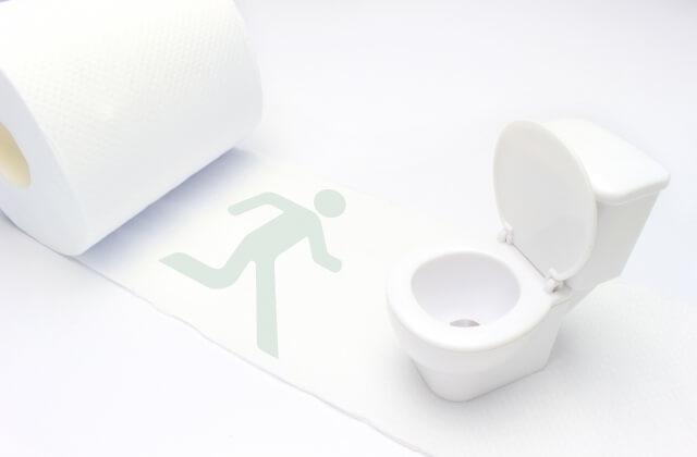 トイレに駆け込む様子