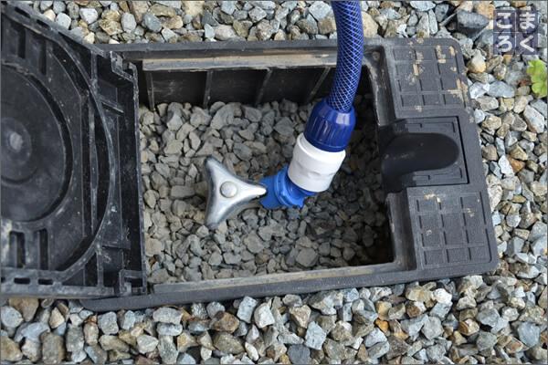 立水栓と延長ホースを接続